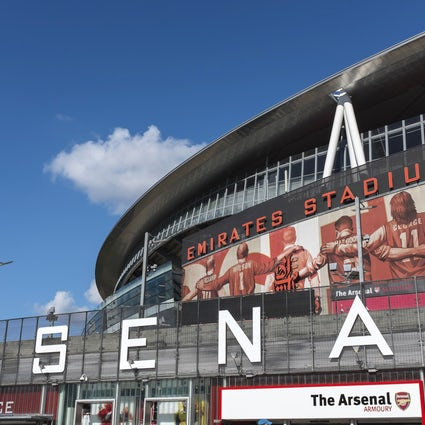 Estádio Emirates - estátuas de lendas do Arsenal explicadas