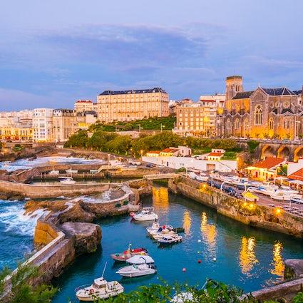 Descubra el elegante y relajado Biarritz