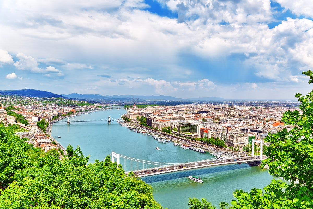Budapest – The vanguard of bridging obstacles (Part II)