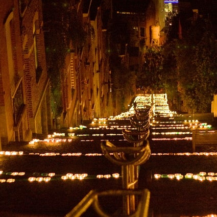 20.000 candles light up this Belgian medieval city once a year!