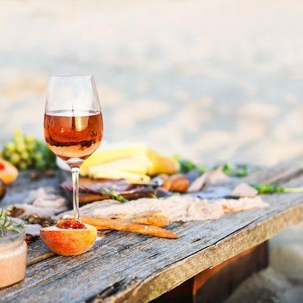 Dos restaurantes con viñedos para los amantes del vino: Nazani y VanArdi