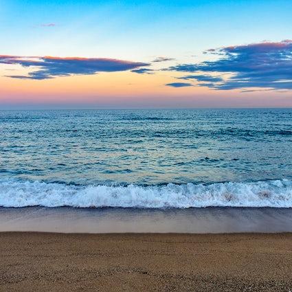 Stranddag: Verborgen stranden in en rond Barcelona