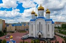 A catedral hipnotizante da Assunção em Nur-Sultan
