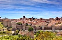 Explora los palacios de Ávila y sus deliciosas yemas