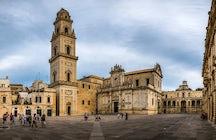 Piazzas in Italien: Domplatz, Lecce
