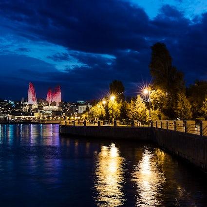 El primer lugar que visitan los turistas en Bakú - Bakú Boulevard