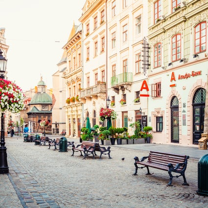 Plaza Rynok en Lviv: donde la historia se encuentra con la gastronomía