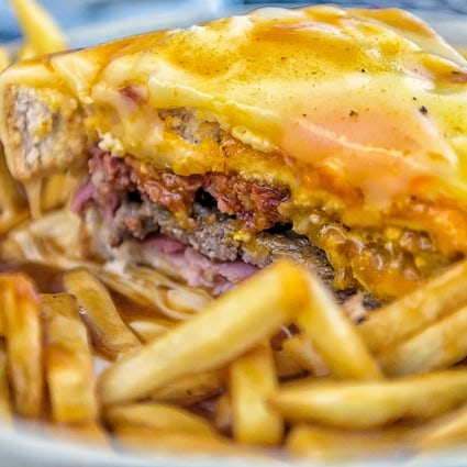 "The story of the Portuguese ""Francesinha"""