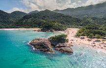 Um passeio de barco exótico à Ilha Grande, a ilha paradisíaca do Rio