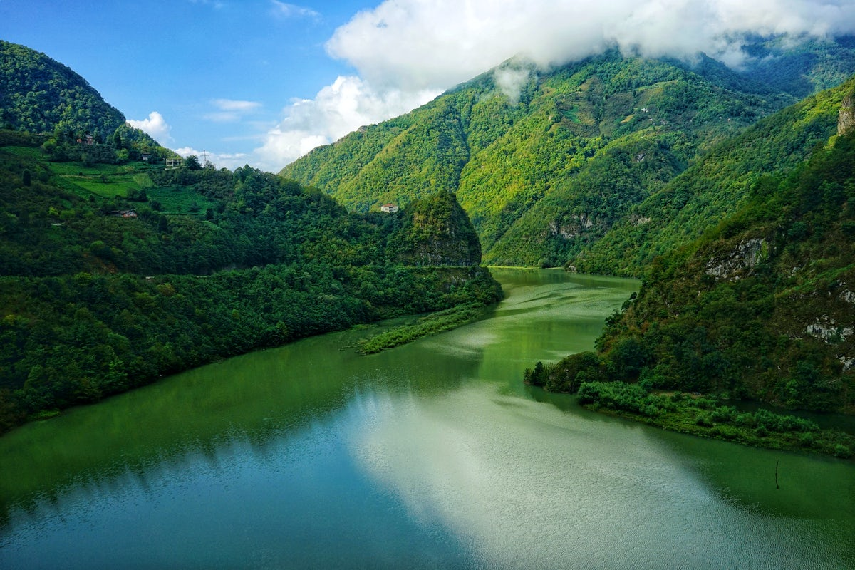 Artvin, the hometown of wild rivers and Georgian architecture