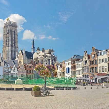 A dip in the history & greenery of gorgeous Mechelen