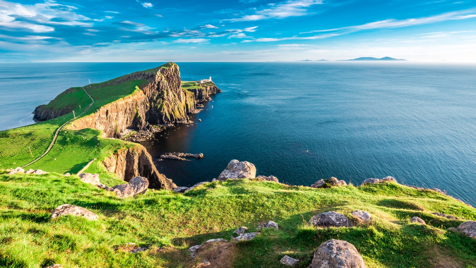 Neist Point Lighthouse on the Isle of Skye - cover picture © credits to Shaiith