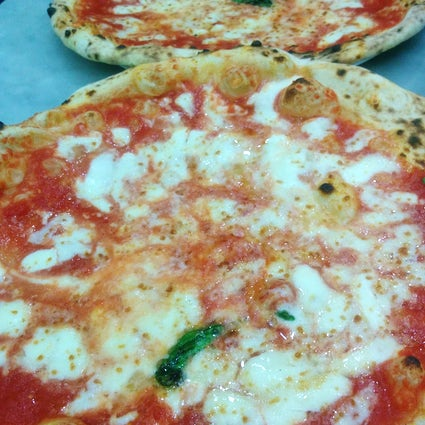 A local's guide to pizza in Naples