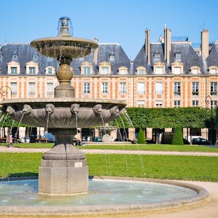 Parks and gardens in Paris: Place des Vosges