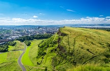 "Eating ""Haggis"" and climbing in Edinburgh"