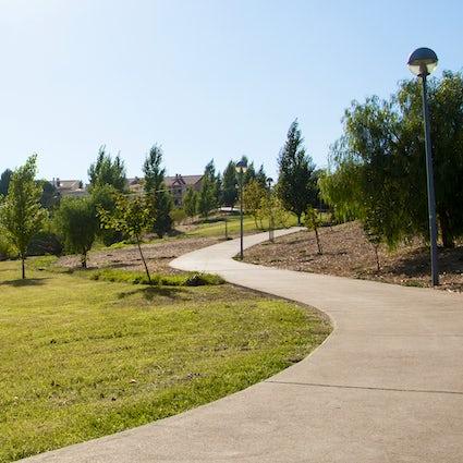 Senderismo en el Paço de Arcos, barrios de escalada y jardines