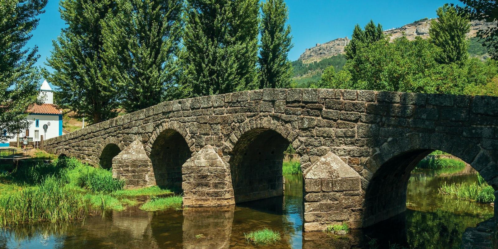 Portagem, un peaje medieval y una piscina natural