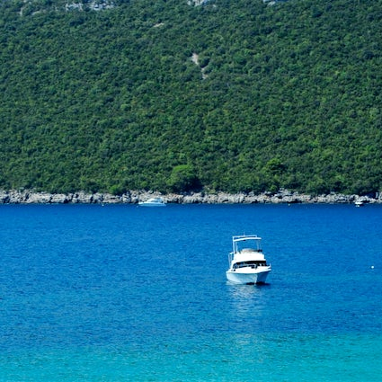 The ultimate guide to the Luštica settlements and beaches - Part I