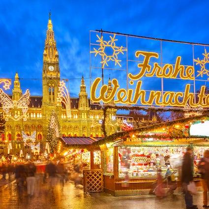 Christmas Markets Season Opens in Vienna