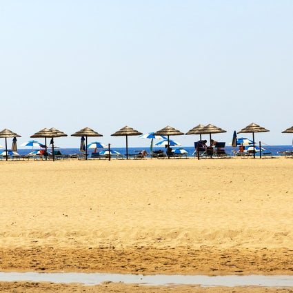 Piscinas Beach, between past and present