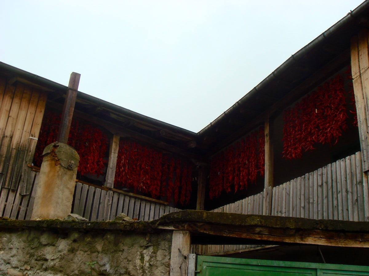 Not ordinary Macedonian villages: Ljubojno and Brajcino