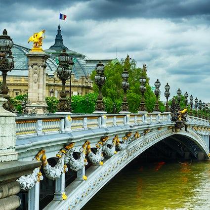 Puentes icónicos en París: Puente Alexandre III