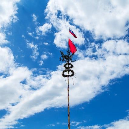 Día del Trabajo en Eslovenia: maypoles, picnics y excursiones de un día