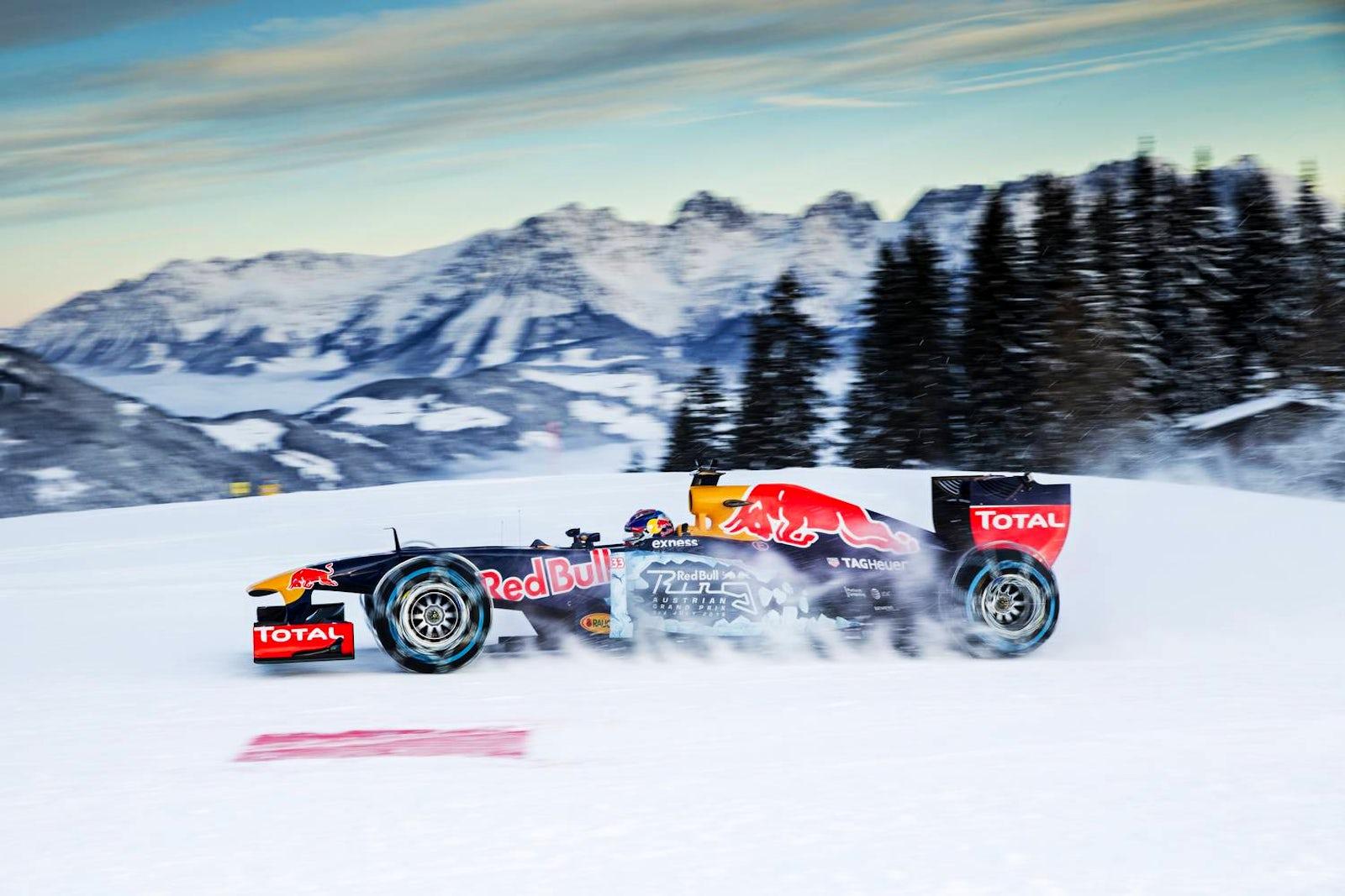Cover photo © Samo Vidic and Philip Platzer/Red Bull Content Pool
