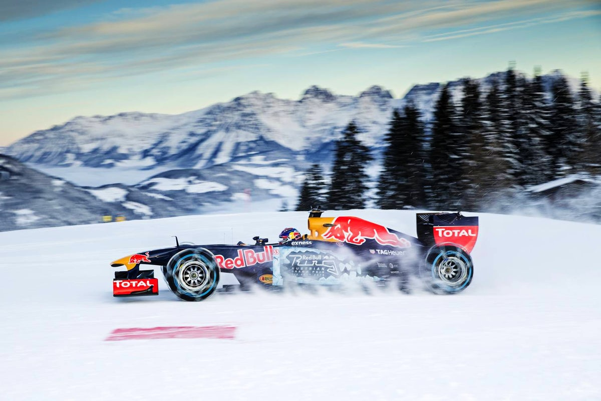 Cover photo © Samo Vidic and Philip Platzer/Red Bull Content Pool