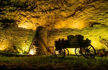 Explore the Zarni-Parni cave complex in the Lori Province