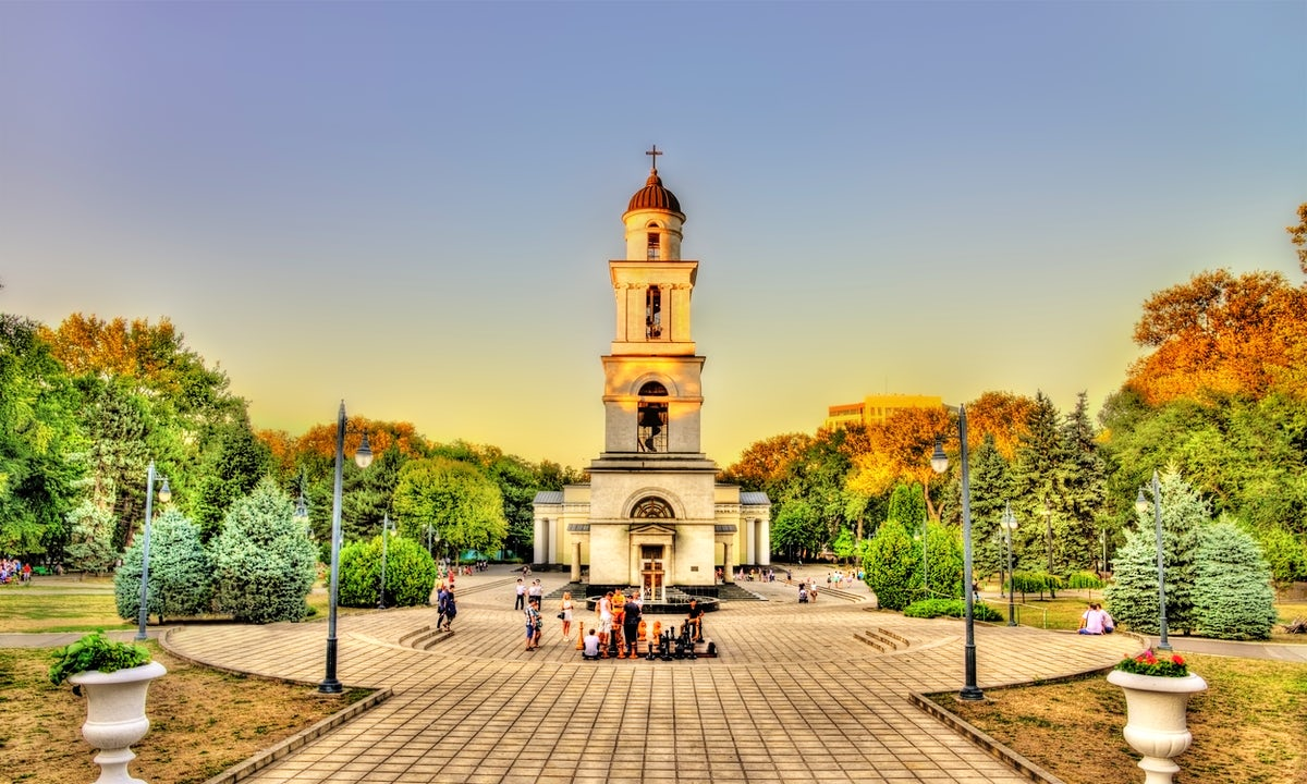 Get closer to Moldova and find out its peculiarities