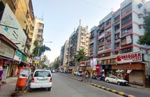Retail therapy at Lokhandwala Market, Mumbai