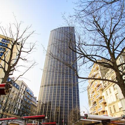 Remarkable buildings in Paris: Montparnasse Tower