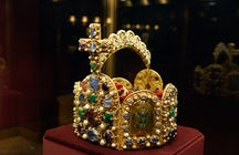 Kaiserliche Schatzkammer Wien: wo sich der Heilige Gral verbirgt