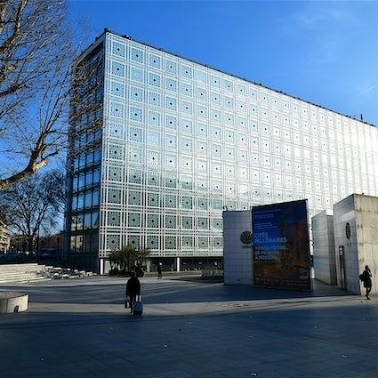 Les bâtiments remarquables à Paris : L'Institut du monde arabe