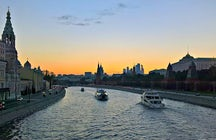 Take the best photos of Moscow from a boat