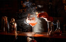 Extravagant cocktails in Brussels: La Pharmacie Anglaise