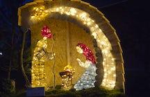 Die Magie der Weihnachtsbeleuchtung in Vojnik