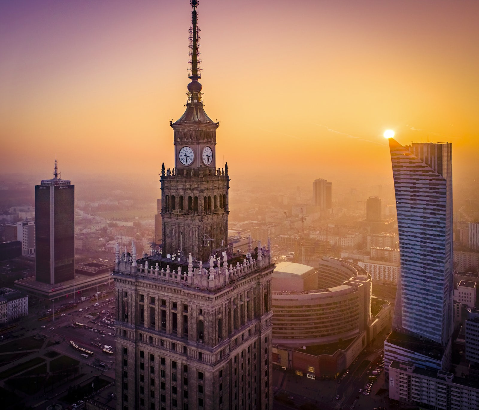 ©iStock/Drone in Warsaw by Prokreacja.com