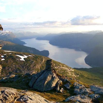 Hornindalsvatnet, le lac le plus profond et le plus propre d'Europe