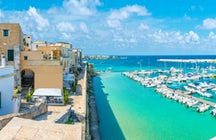 Otranto - paradis de plage avec une histoire vivante