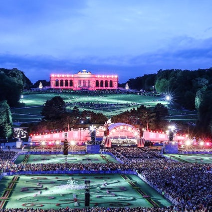 100.000-visitors classical music concert: Sommernachtskonzert