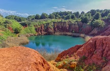 Cave of Bauxite – the most colorful hiking spot in Apulia