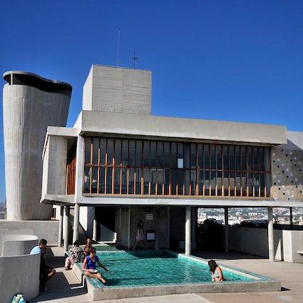 Cité Radieuse – an impressive concrete vertical village in Marseille