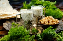 Assaggiate le migliori bevande a base di yogurt in Azerbaijan: Dovga & Ayran