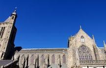 Dol-de-Bretagne - una asombrosa y antigua capital religiosa bretona