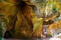 Tolkien's Moria auf Madura Island: Arosbaya Steinbruch