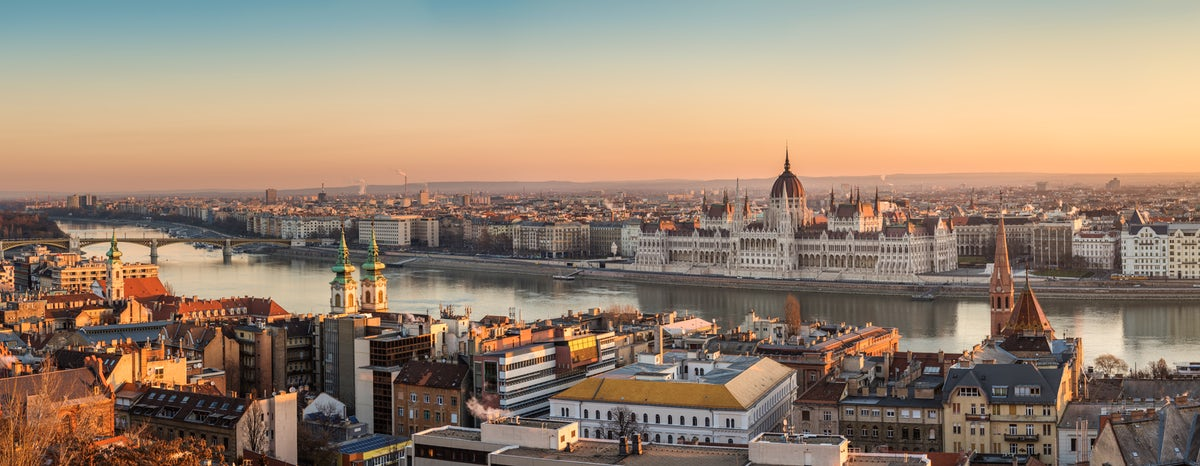 Have a drink with the best view of Budapest (Part I)
