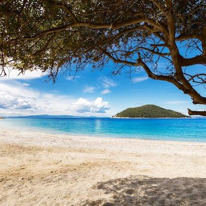 Honeymoon Islands and activities in Greece