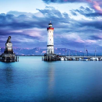 5 fuseaux horaires - 3 pays - 2 noms - 1 lac (lac de Constance)
